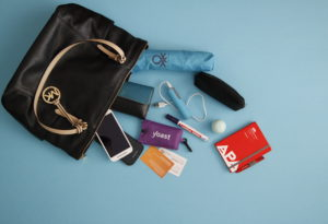 whats-in-your-bag-muttis-naehkaestchen_full