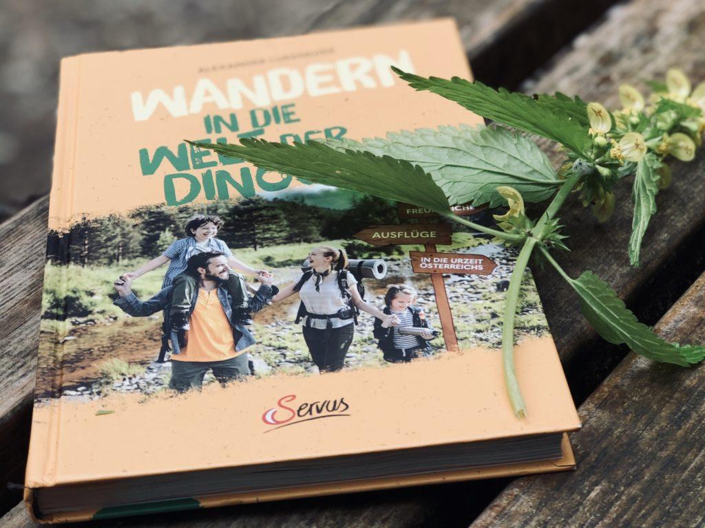 Buchtipp Wandern in die Welt der Dinos